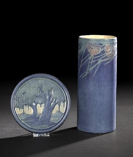Good Newcomb College Pottery Vellum-Glazed Cylindrical Vase, 1911, decorated by Henrietta Davidson Bailey (1874-1950), in