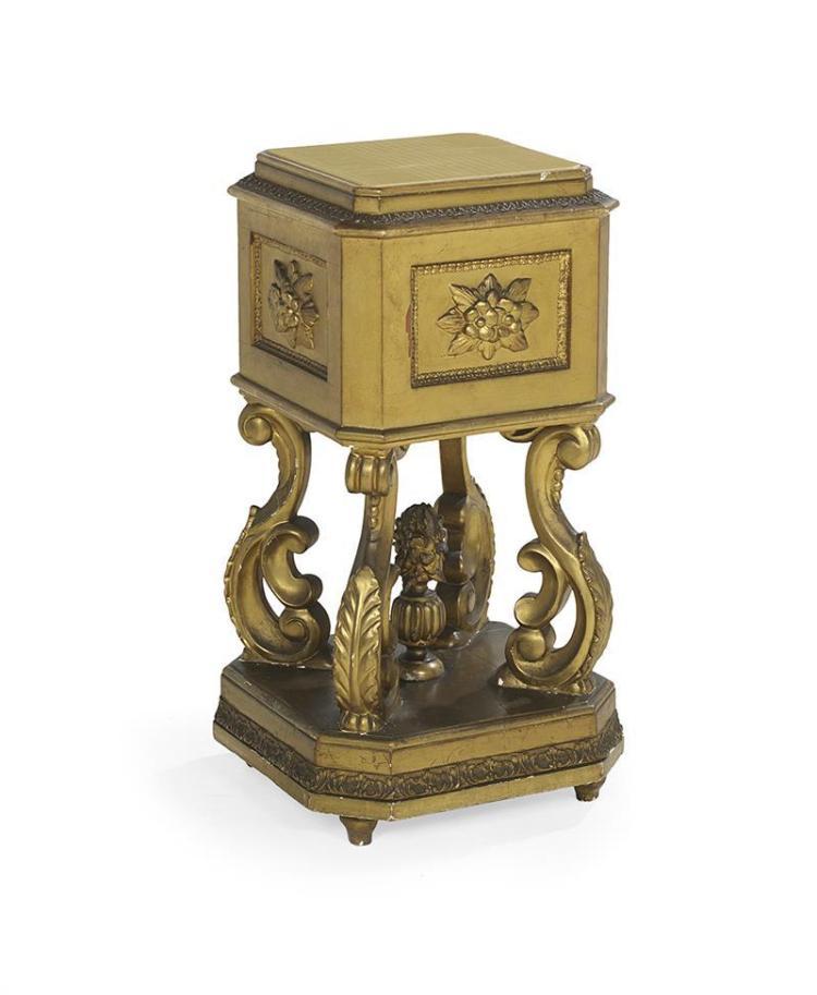 Napoleon iii giltwood jardiniere pedestal for Jardiniere napoleon 3
