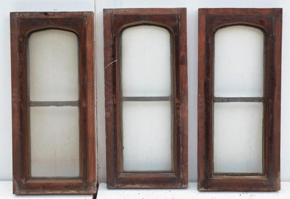 Brewster Mansion-8-Windows with leaded glass