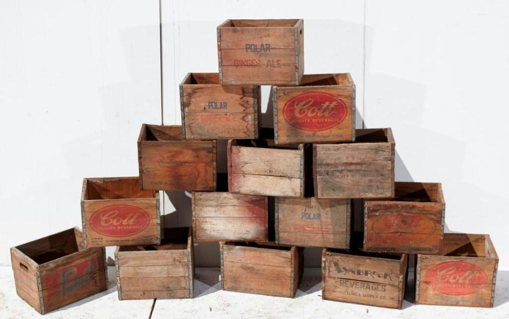 Brewster Mansion-Lot of 15 wooden soda crates