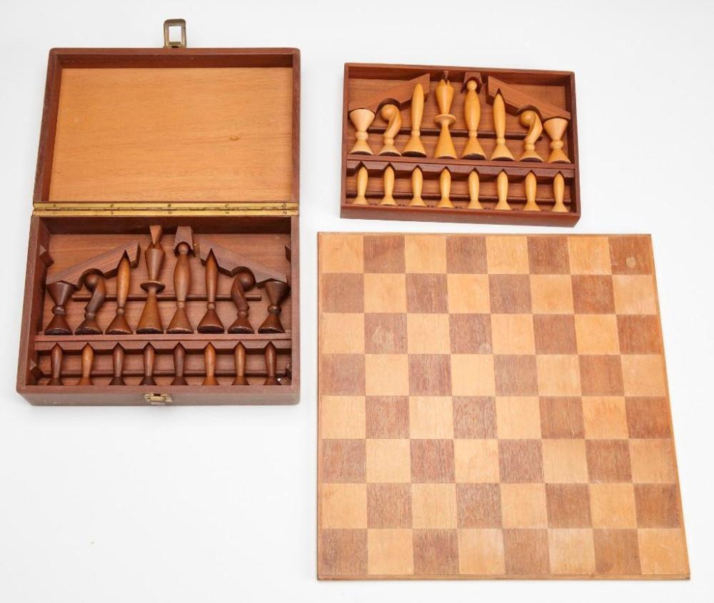 Modernist Chess Set-Arthur Elliot for ANRI