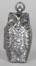 A SOVEREIGN CASE, in the form of an owl. 2.5ins high.