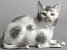 A CONTINENTAL PORCELAIN FIGURE OF A CAT, Possibly
