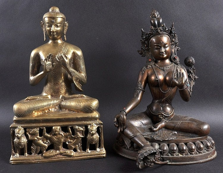 A LATE 19TH CENTURY SINO TIBETAN BRONZE FIGURE OF