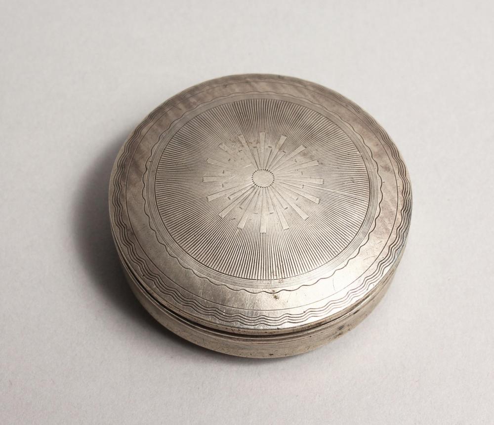 A SMALL DUTCH SILVER PILL BOX 1.5ins diameter.
