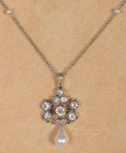 A GOOD EDWARDIAN CULTURED PEARL & DIAMOND CLUSTER PENDANT AND CHAIN, approx. 1.60CT diamonds. <br>