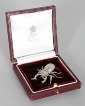 A SUPERB 18CT WHITE GOLD AND DIAMOND ASPREY?S BUG BROOCH, stamped 18K. <br>