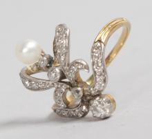 A GOOD 18CT GOLD, DIAMOND AND PEARL RING.