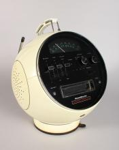 A PRINZ SOUND RETRO STEREO RADIO.