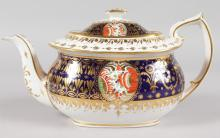 AN EARLY 19TH CENTURY CHAMBERLAIN WORCESTER TEAPOT AND COVER painted in imari style similar to the Yeo service, marked inside cover. 10ins long.