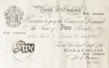A BANK OF ENGLAND WHITE £5 NOTE R10 053604 1950.