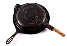 Griswold Cast Iron New American Waffle Iron This l