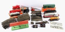Lionel 027 Gauge Track Train Set & Buildings