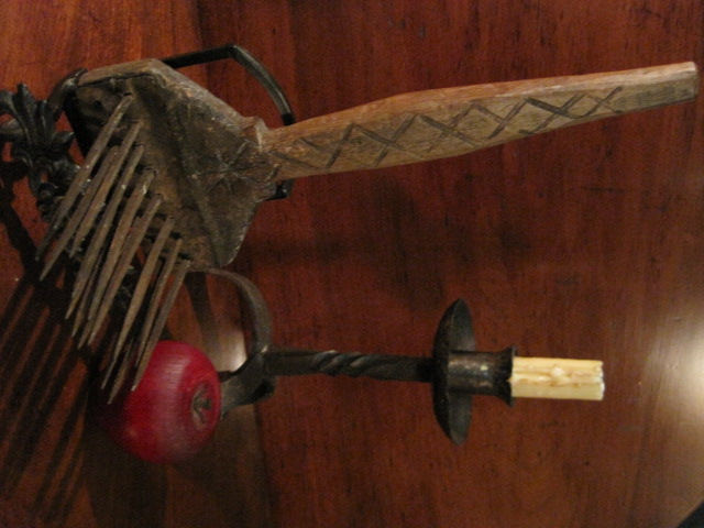 Colonial Wrought Iron Hetchel Sheep's Wool Comb 1800s