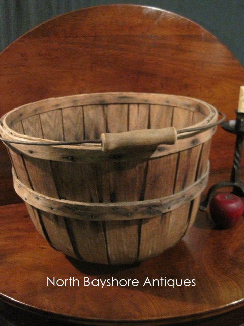 New England Apple Orchard Woven Gathering Basket 1800s