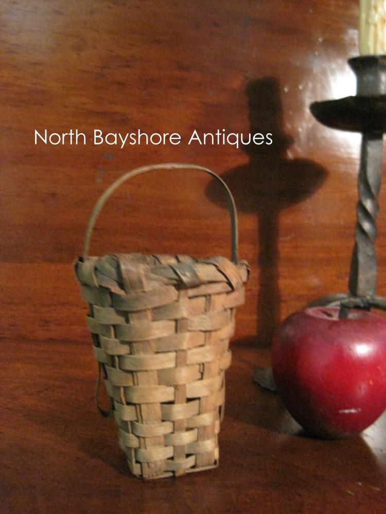 New England Shaker Miniature Berry Gathering Basket 1800s
