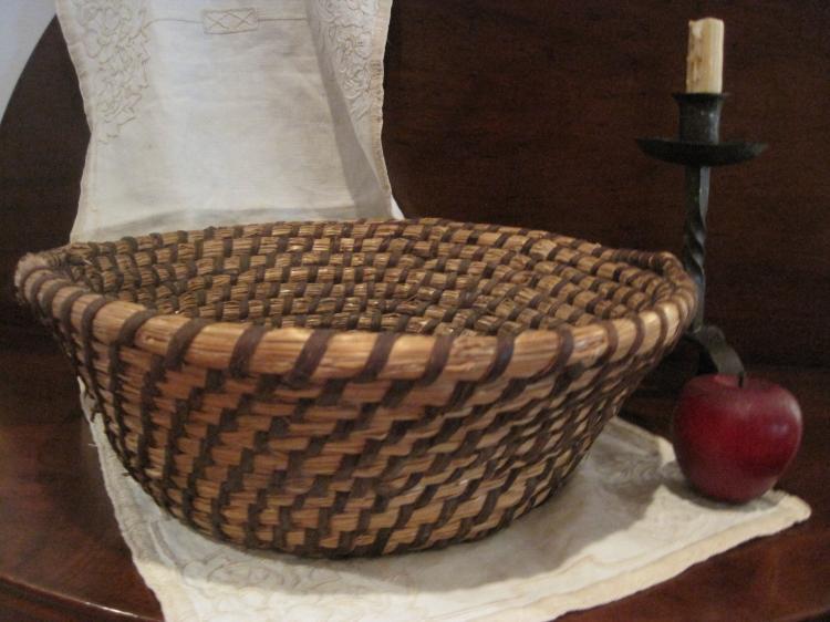 Handmade Baskets In Pa : Pennsylvania folk art large handmade rye straw coiled basket