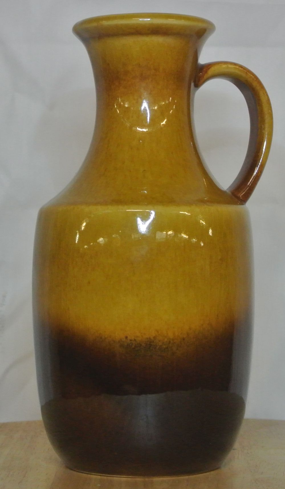 Lot 42: A vintage/ Mid Century Western German 'Fat Lava' jug