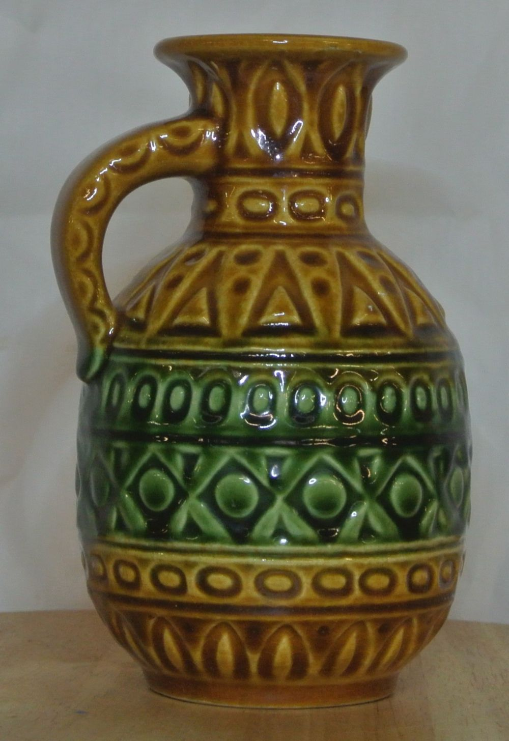 Lot 44: A vintage/ Mid Century Western German 'Fat Lava' jug