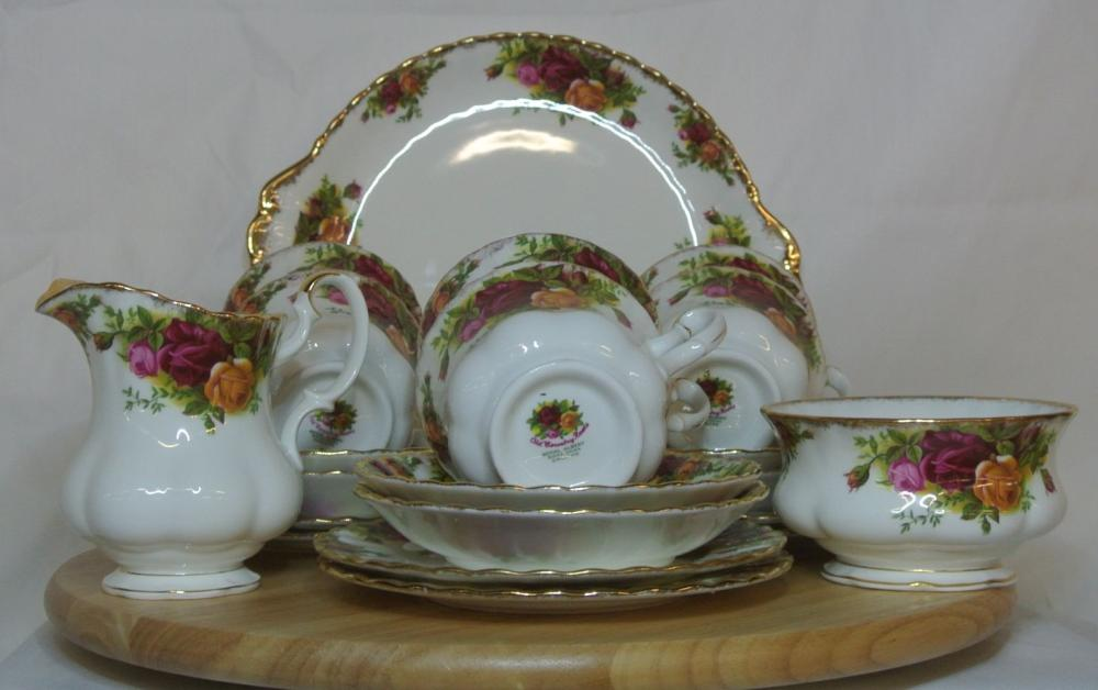 A Royal Albert 'Old Country Roses' tea set