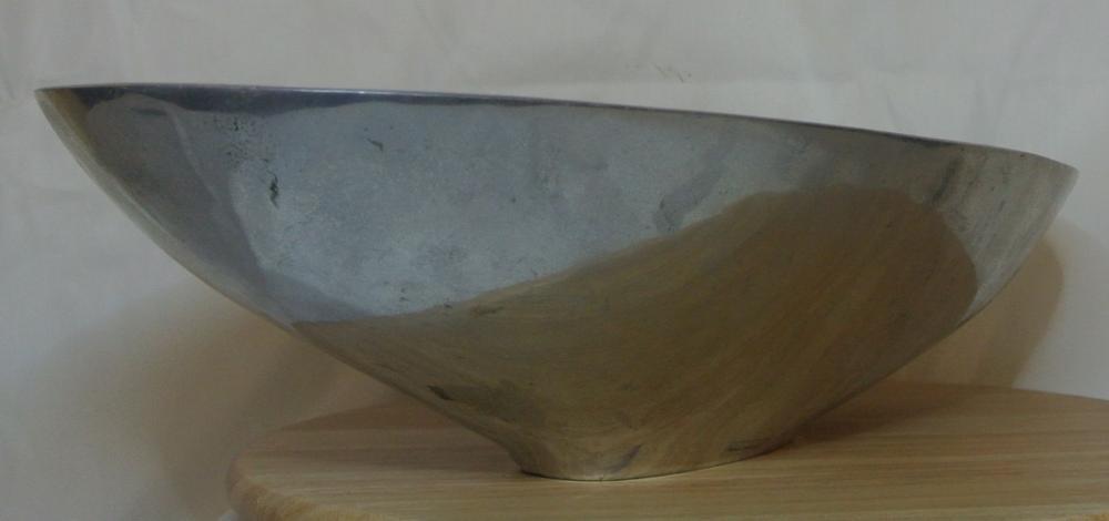 Lot 101: A vintage style Danish design fruit bowl