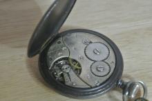 Lot 177: An antique WW1 era King George lever pocket watch