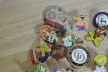 Lot 178: A collection of various vintage/ retro pin badges