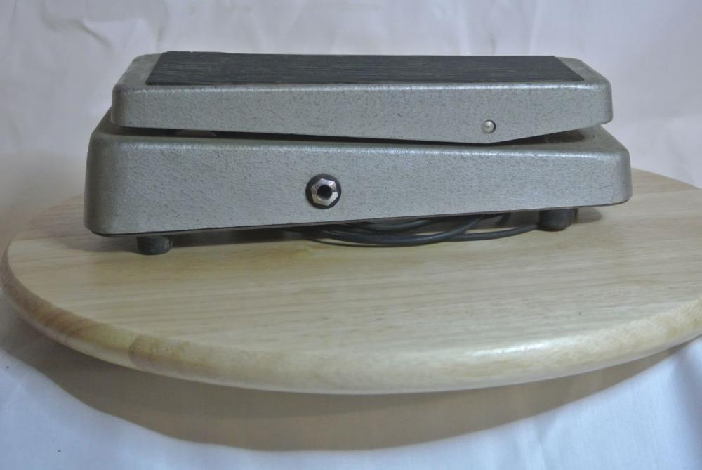 Lot 187: A vintage Vox guitar wah pedal.