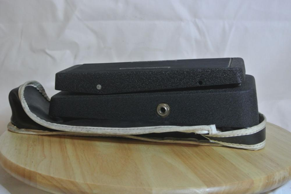 Lot 188: A vintage Cry Baby guitar wah pedal