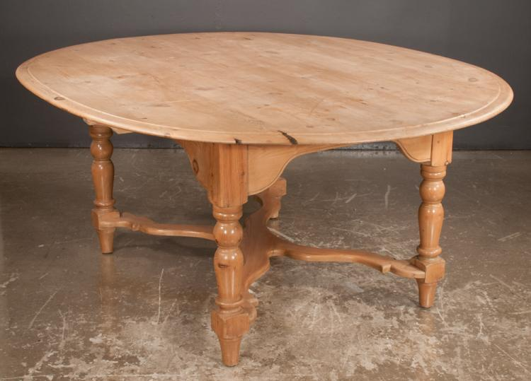 Oval English pine dining table on turned legs with shaped cr : H0806 L113329635 from www.invaluable.com size 750 x 539 jpeg 46kB