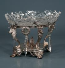 Oval Continental silver plated centerpiece with stag head mounts with antlers supporting an oval crystal bowl, c.1900, 11