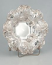 Reed and Barton sterling silver bowl in the Francis I pattern, 11.25