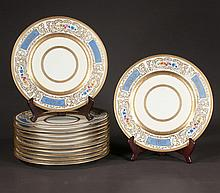 Set of 12 Pickard Bavarian china dinner plates with gold band and floral decoration, 11