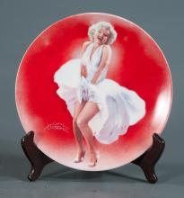 Group of 17 Delphi porcelain plates depicting Marilyn Monroe in different outfits from art by Chris Notarile, 8
