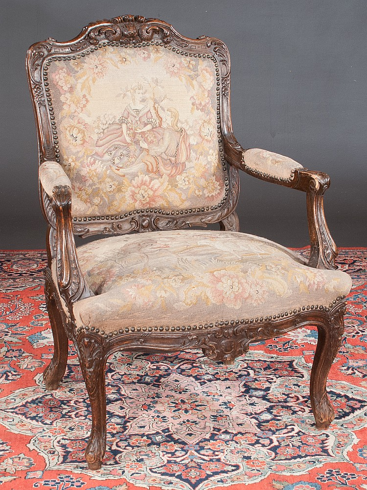 Tapestry Carved Back Fauteuil Scroll With Xv Walnut Louis CroedExWQB