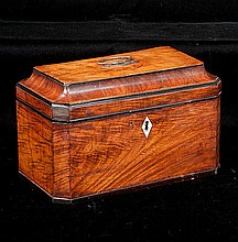 Georgian mahogany tea caddy with coffered top, canted corners and good fitted interior, c.1830, 10