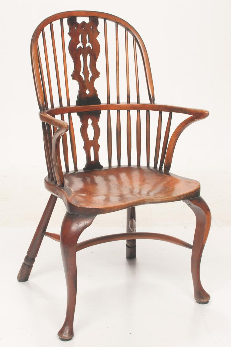 Queen Anne style English yew wood Windsor armchair with pierced splat and spindle back, shaped seat on cabriole legs on pad feet, 23