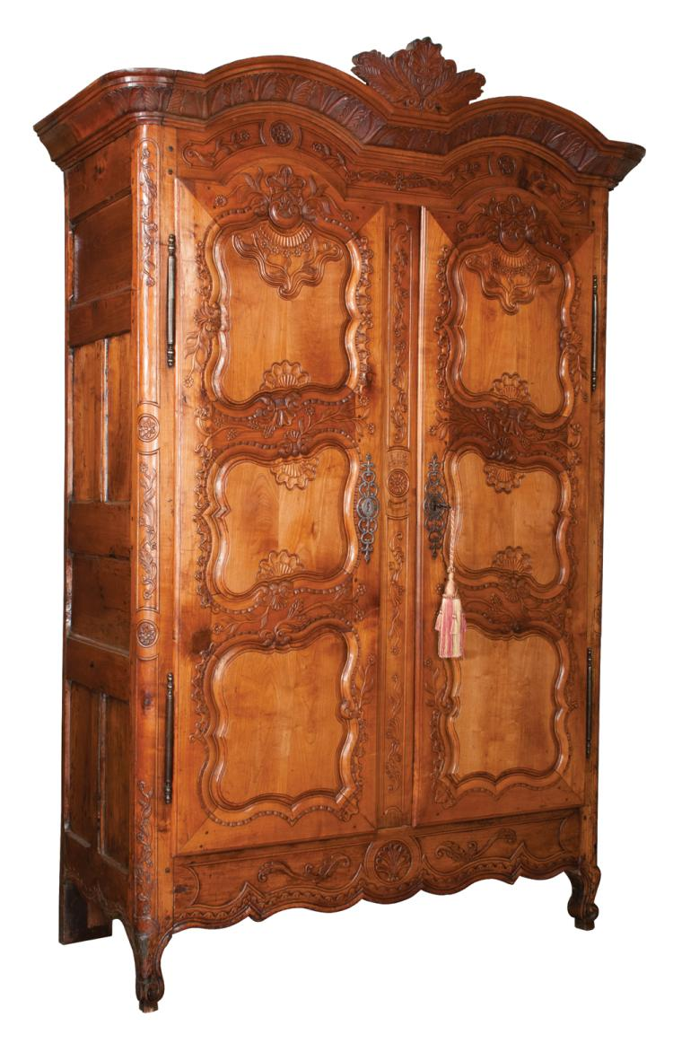 Country French cherry wood bonnet top armoire with shell and leaf carved pediment, carved panel doors and carved apron, c.1790, 60î wide, 24î deep, 93î high