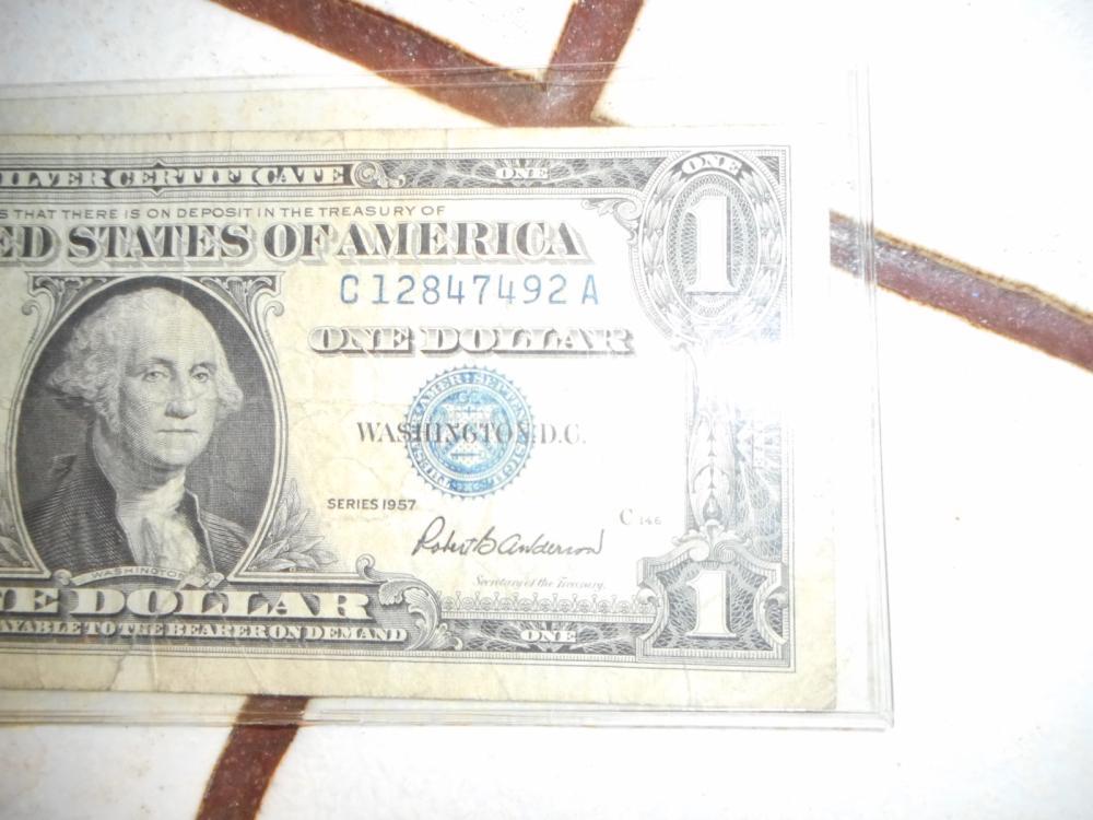 1957 - SILVER CERTIFICATE - C12847492A - ONE DOLLAR BILL