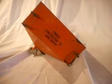 Structo Construction Co. Sand Hopper. Nice Toy, All Metal, great Condition