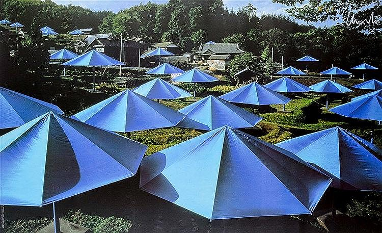 Christo. The Umbrellas, Japan - USA, 1984-1991. 7 Farboffsetdrucke mit Gele