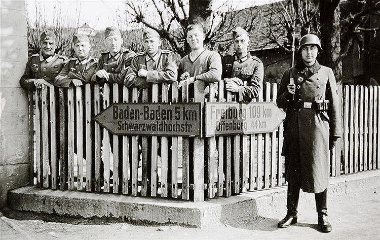 Varia - Weltkrieg 1939-1945 - - Fotoalbum zur Dienstzeit eines deutschen So