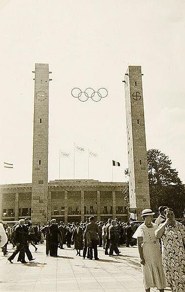 Deutschland - - Reisen 1933-1938. Album mit über 180 Original-Photographien
