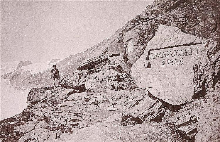 Alpen - - Album mit 60 Ansichten, meist aus den Alpen. Photolithographien n