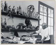 Quinn, Edward - Picasso in seinem Keramikatelier in Vallauris. Original-Pho...
