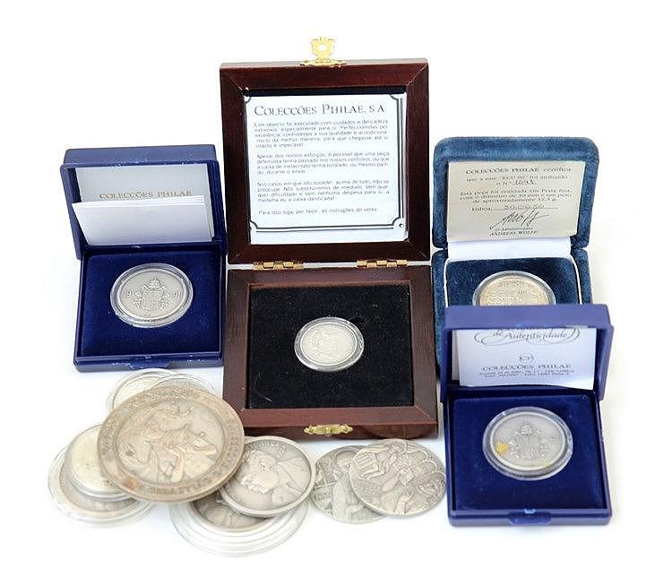 Portugal - Medal - 13 expl. Diversos temas séc. XX