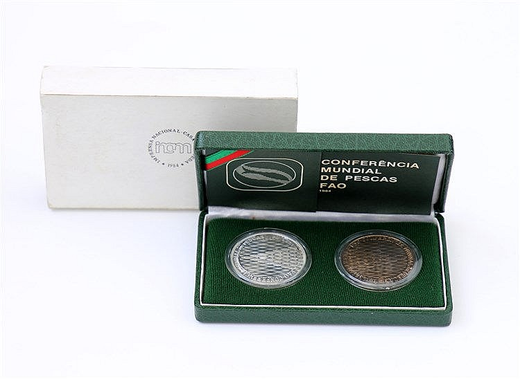 Poortugal - Republic - 2 coins 250$00 1984