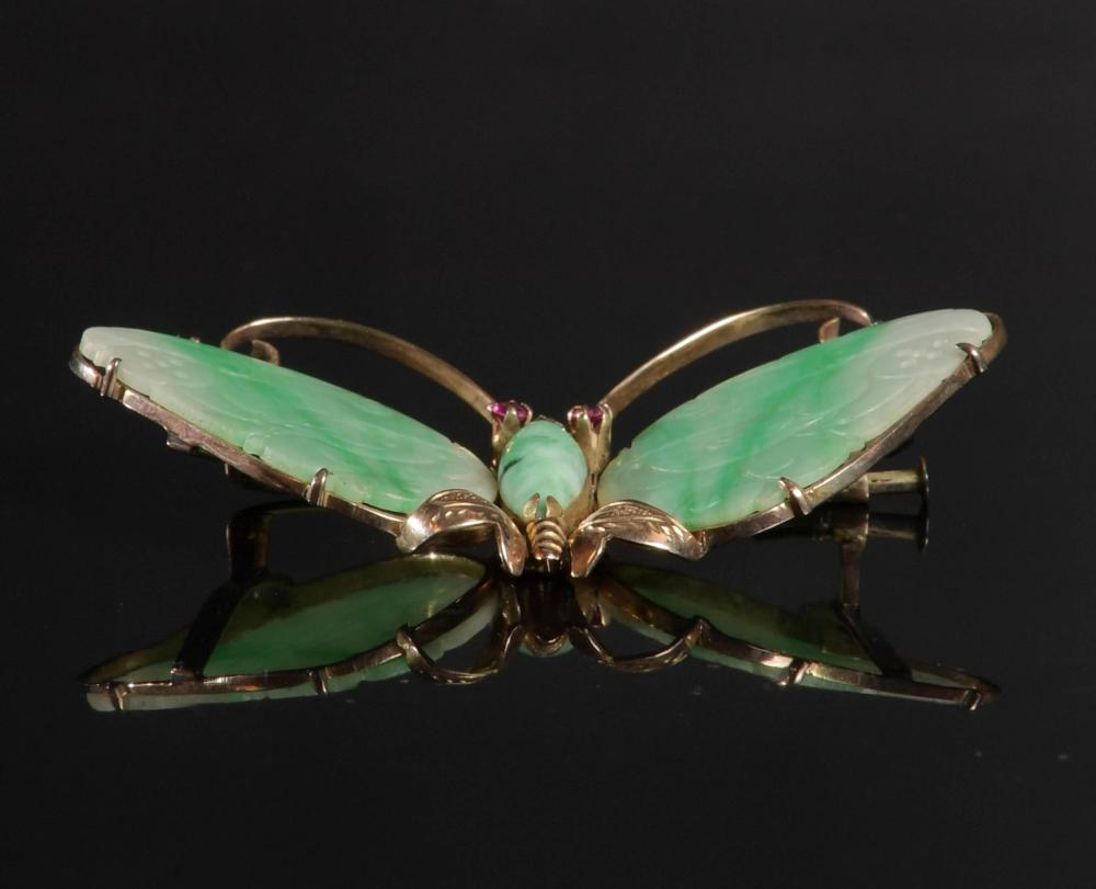 14K GOLD AND JADE BUTTERFLY BROOCH, SAPPHIRE EYES