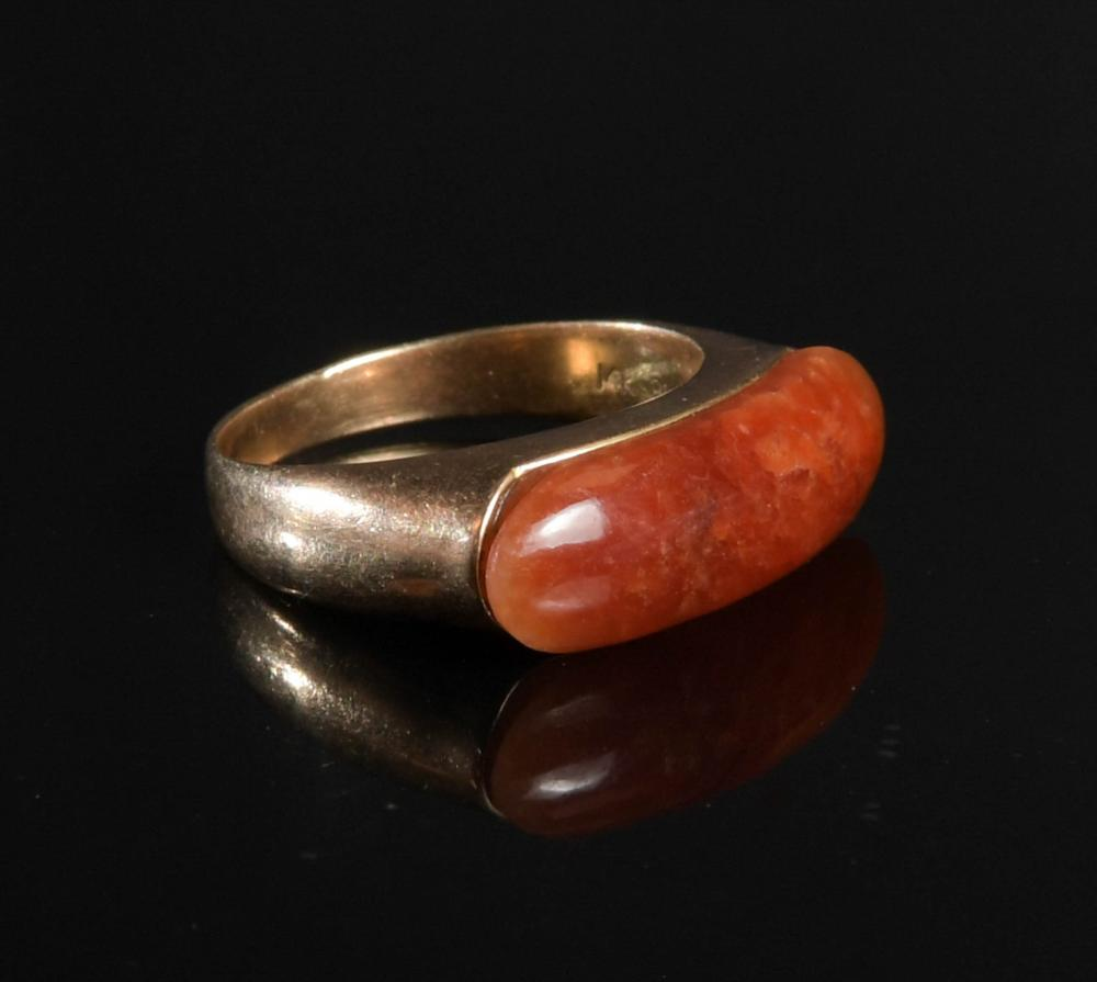 14K GOLD AND RED JADEITE SADDLE RING