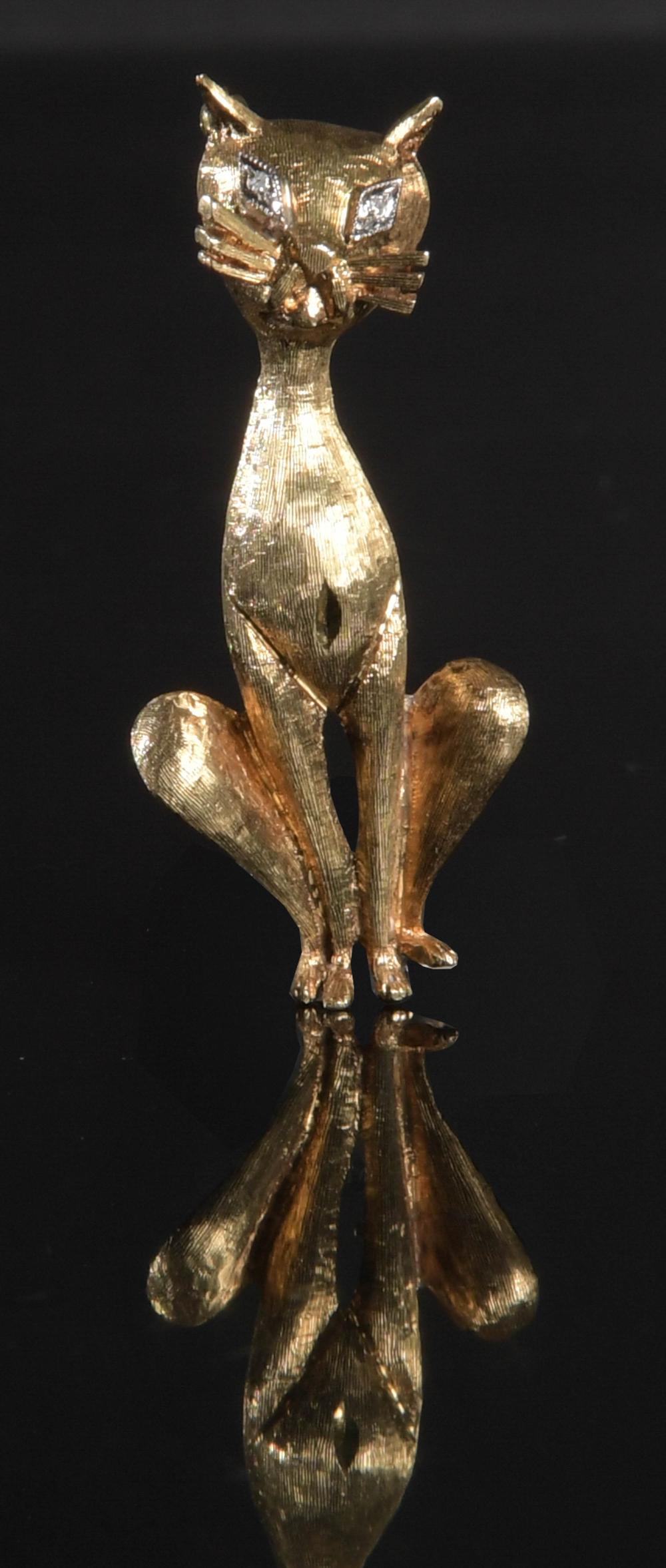 18K GOLD CAT BROOCH WITH DIAMOND EYES